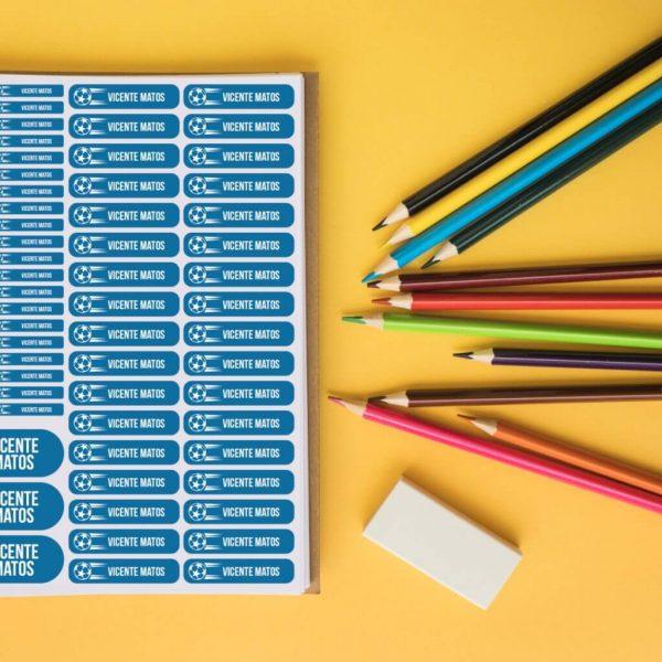 Etiquetas autocolantes para a escola . Etiquetas autocolantes . Etiquetas para material escolar